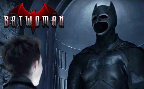 Batwoman: Batman y si traje en concep art   DC Comics   The CW ...