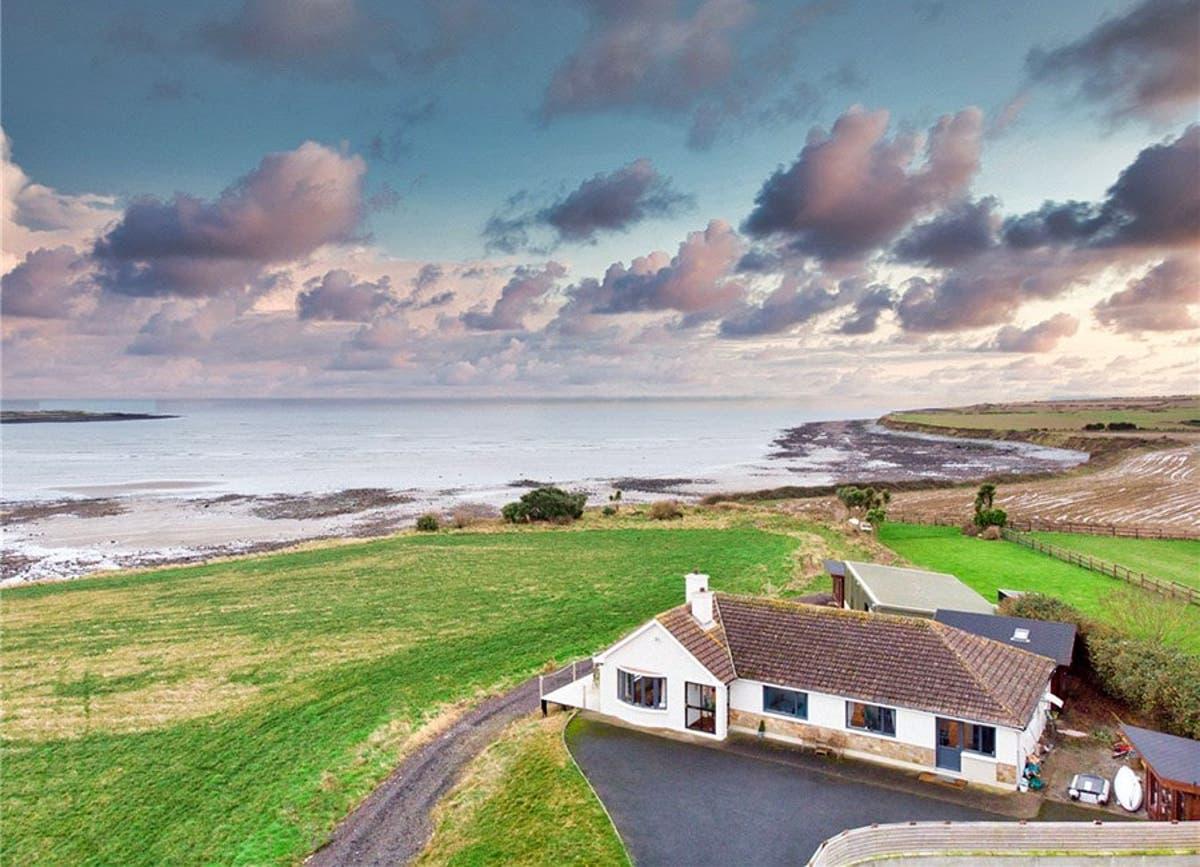 Hotels in Skerries. Book your hotel now! - brighten-up.uk