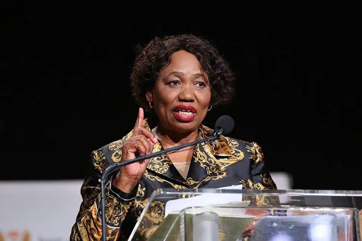 Angie Motshekga House / Minister Of Basic Education Angie Motshekga Is Interviewed Outside News ...