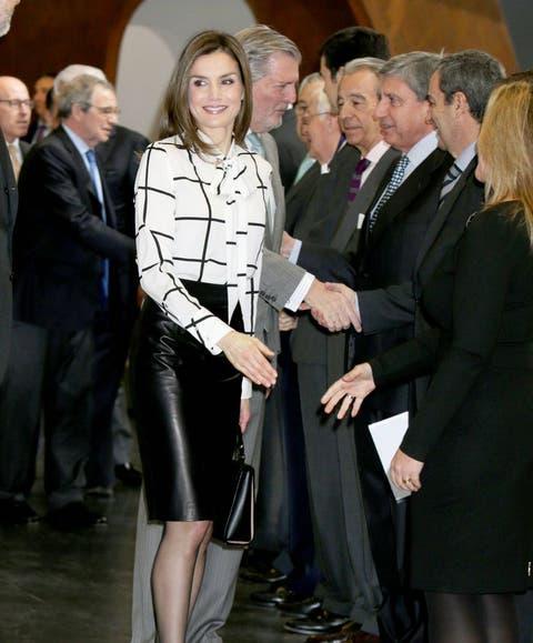 2738b3021 Familia Real Española  Los Reyes en la clausura de El valor económico del  español