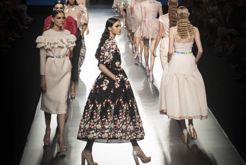 be8c9bb68 Mercedes-Benz Fashion Week Madrid  La pasarela Mercedes-Benz Fashion ...