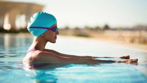 ec9594d9f Trucos adelgazar: El ejercicio que debes hacer en la piscina para ...