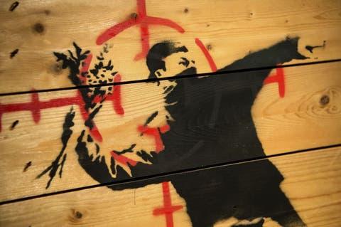 Arte Quién Es Banksy La Hermética Historia Del Activista