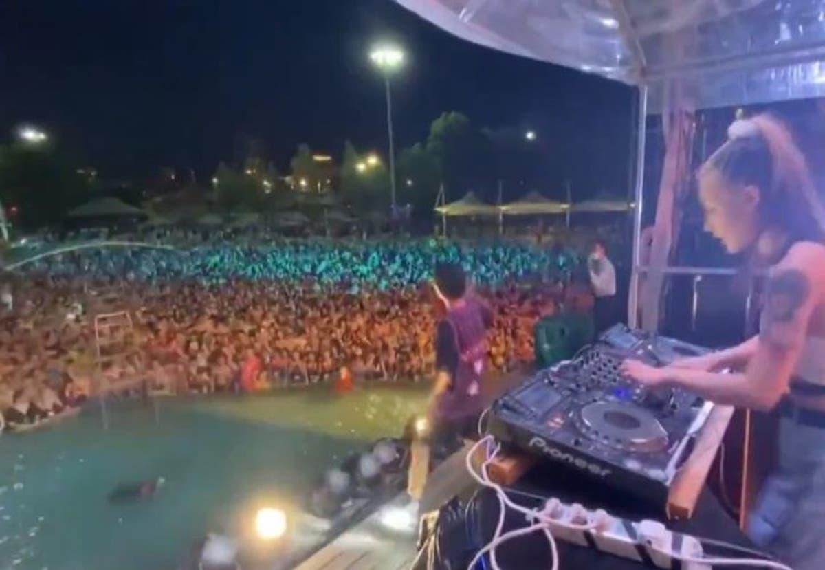 Coronavirus | Miles de personas asisten a concierto en albercas ...