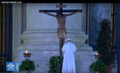 Mundo | Entérate por qué se considera milagroso el crucifijo al ...