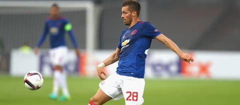Morgan Schneiderlin completes move to Everton from