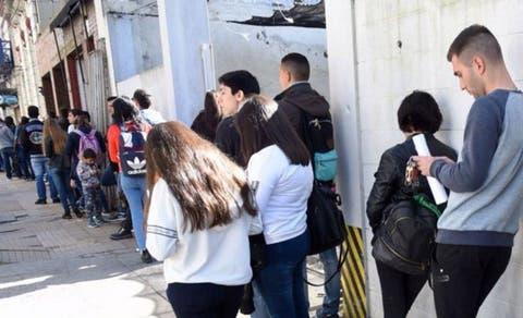 El estancamiento de la economía latinoamericana lleva el desempleo juvenil a su nivel más alto en 20 años