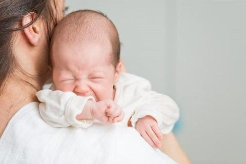 o que evitar comer para não dar gases no bebê