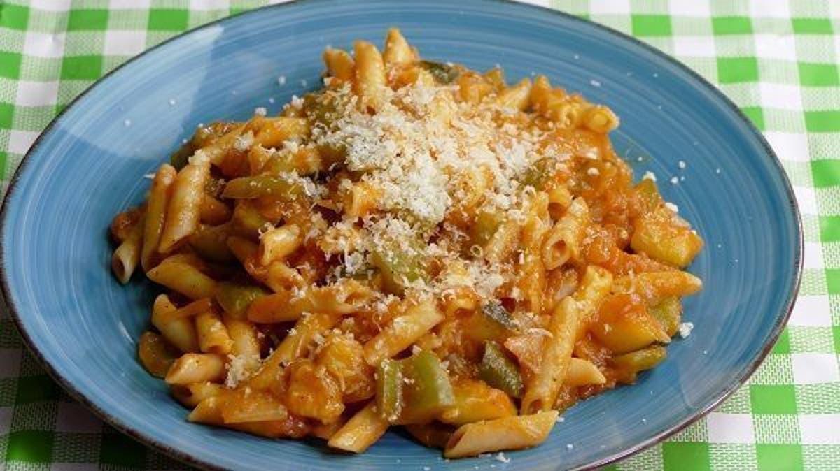 Macarrones Con Verduras Con Una Salsa Deliciosa Cocina Casera Y Fácil