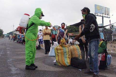 PlanVueltaALaPatria - Emigrar o no Emigrar... he ahi el problema?? - Página 12 Venezolanos-regresan-desde-colombia-30abr2020