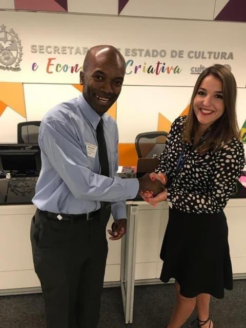 Edmilson com Tali Miguel, assessora-chefe de RI da Secretaria de Cultura - Reprodução do Facebook