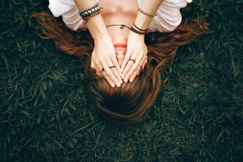 O peso da ferida aberta: quando a vítima se torna um carrasco