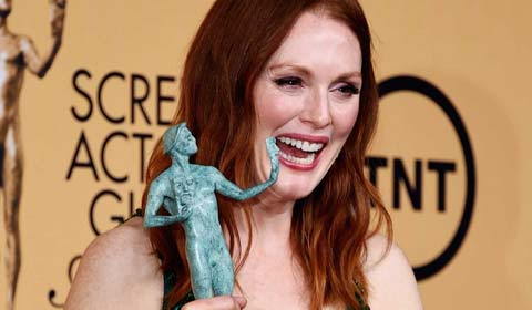 Julianne Moore Gives Shout Out To As The World Turns During